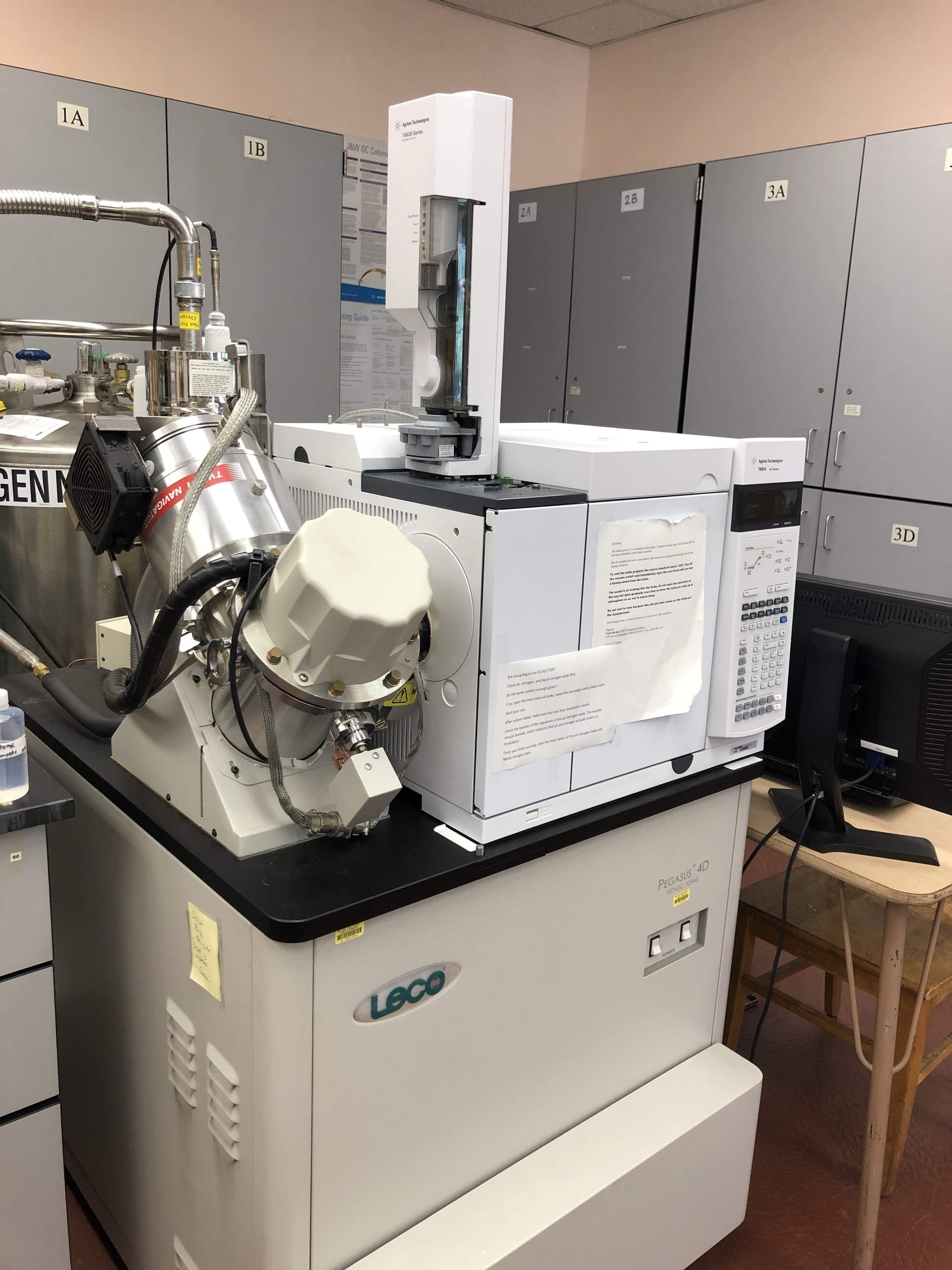 Leco Pegasus 4D comprehensive two-dimensional gas chromatograph time-of-flight mass spectrometer (GC×GC/TOF-MS)